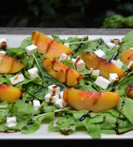 桃のサラダ