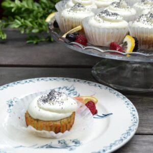 レモンポピーシードカップケーキ