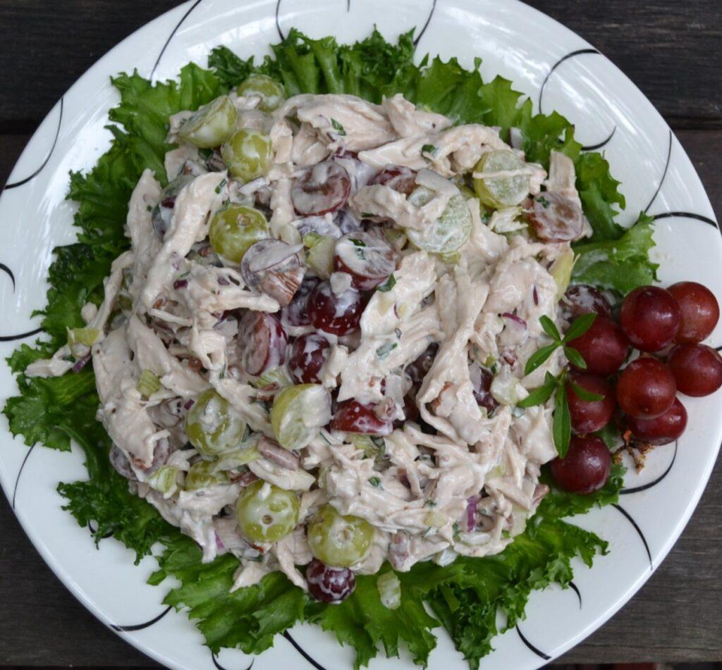 チキンと葡萄のサラダ